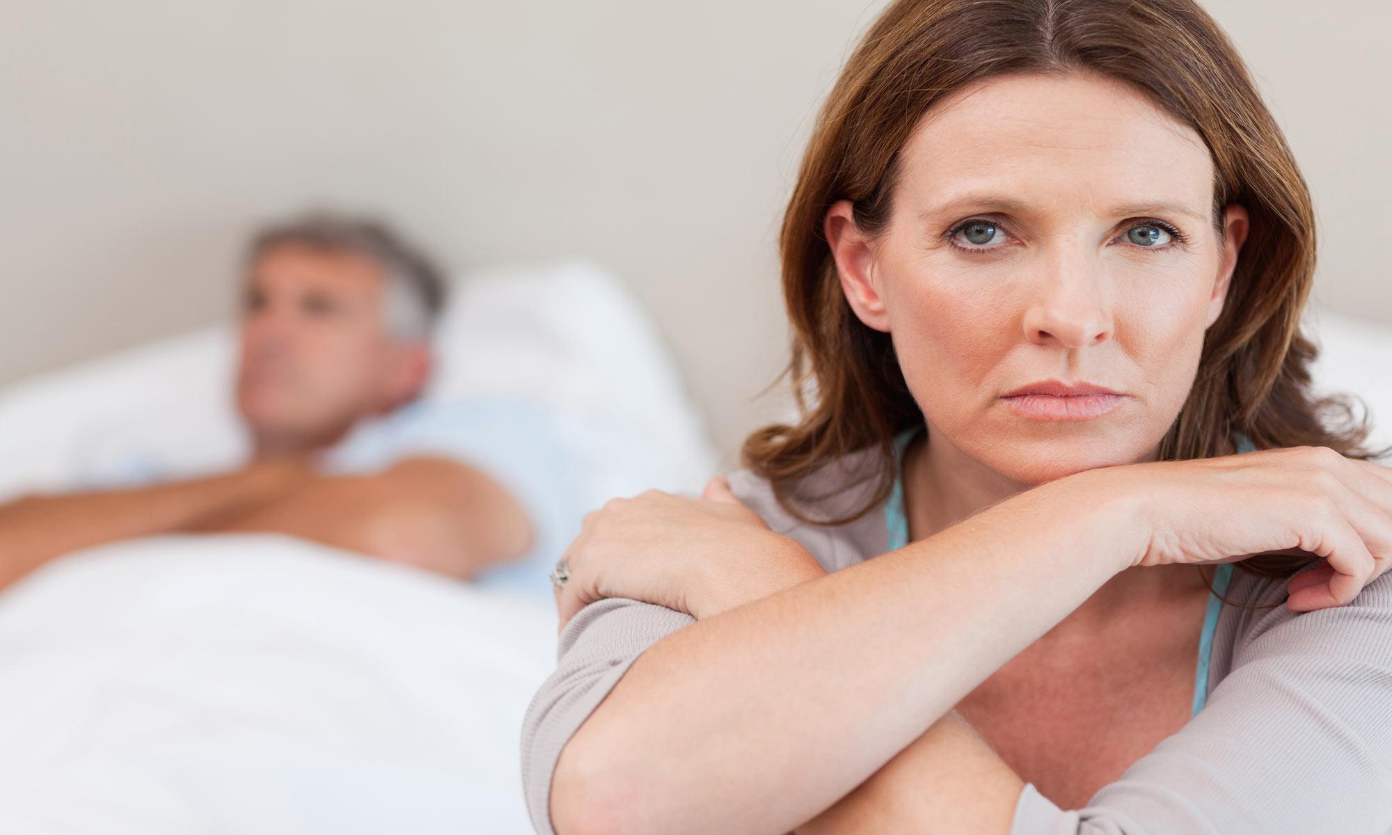 Sexuellt överförbara sjukdomar, kvinna på säng